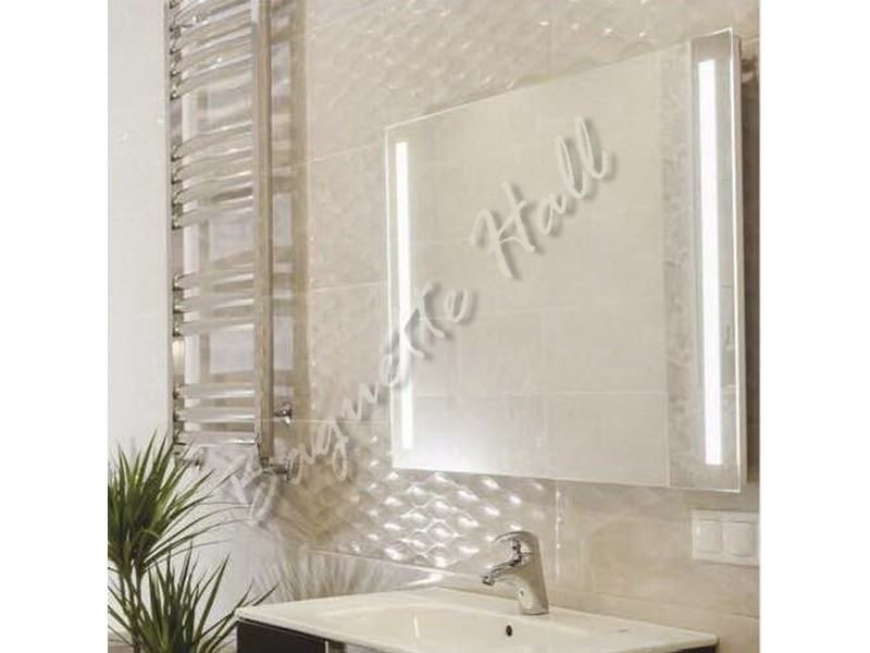 Зеркало для ванной комнаты с LED-подсветкой и сенсорным выключателем 915мм х 685мм