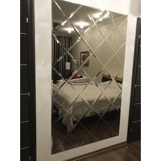 Зеркала в багете для спальни