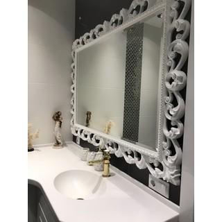 Зеркала в багете для ванной комнаты