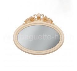 Овальное зеркало с резным кокошником