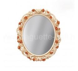Стильное зеркало с цветами
